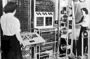رایانه کلوسوس به هدف شکستن کدهاي پنهانی آلمانیان در طول جنگ جهانی دوم ساخته شد