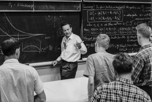فاینمن در حال تدریس